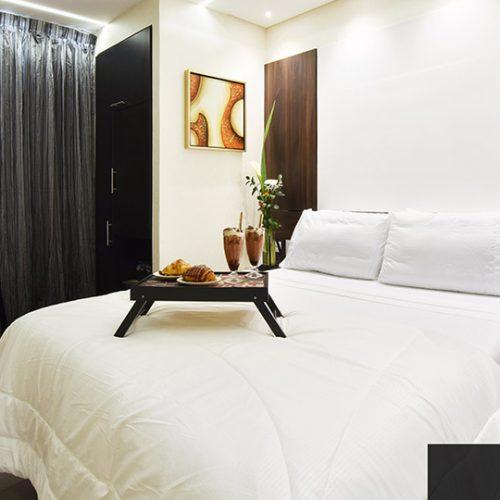 Hotel Room with En-Suite Bathroom