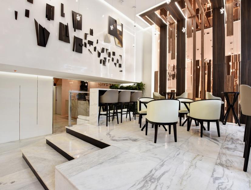 Lobby Bar & café facilities